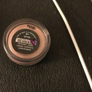 BareMinerals eye color in blush
